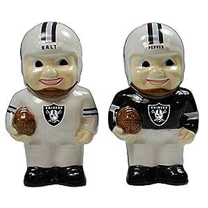 Oakland Raiders NFL Team Logo Salt & Pepper Shaker Set - Football Player Design