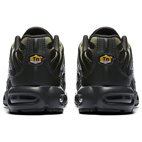 Nike Herren Air Max Plus Schwarz Leder/Synthetik Sneaker Schwarz (Black/Metallic Gold)
