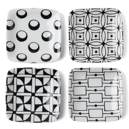 (Black and White Sauce Dish Set 3.5 in. Square)