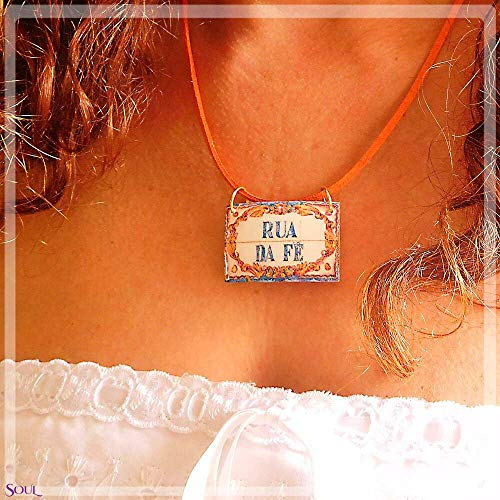(A street called Faith. A necklace with an authentic Portuguese tiles street)