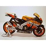 Honda RC211V (Dani Pedrosa No 2 MotoGP 2008) in Orange (1:18 scale) Diecast Model Motorbike by Maisto