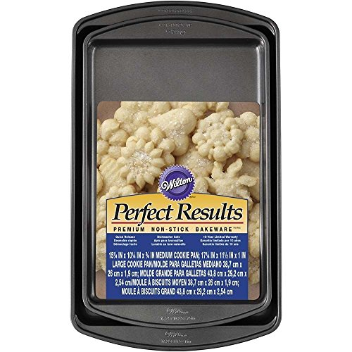 Wilton 2105-6900 2 Piece Perfect Results Cookie Sheet Set