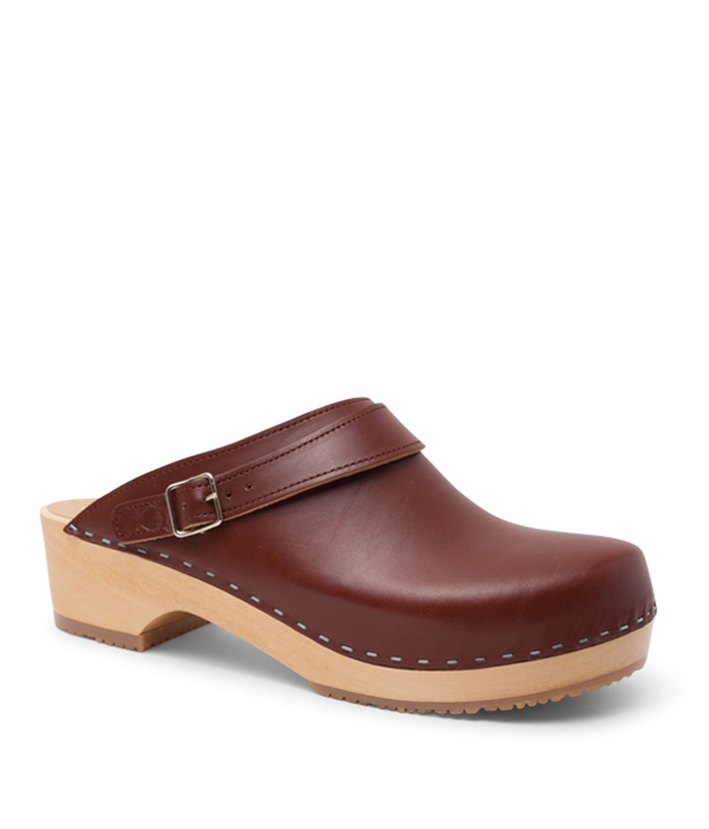 Swedish Wooden Clogs for Men | Nybro in Cognac by Sandgrens, size US 11 EU 44