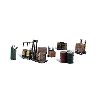 Woodland Scenics Loading Dock Details (Forklift, Crates, Barrels, Wellding Tanks & Hand Cart) HO Scale: Toys & Games