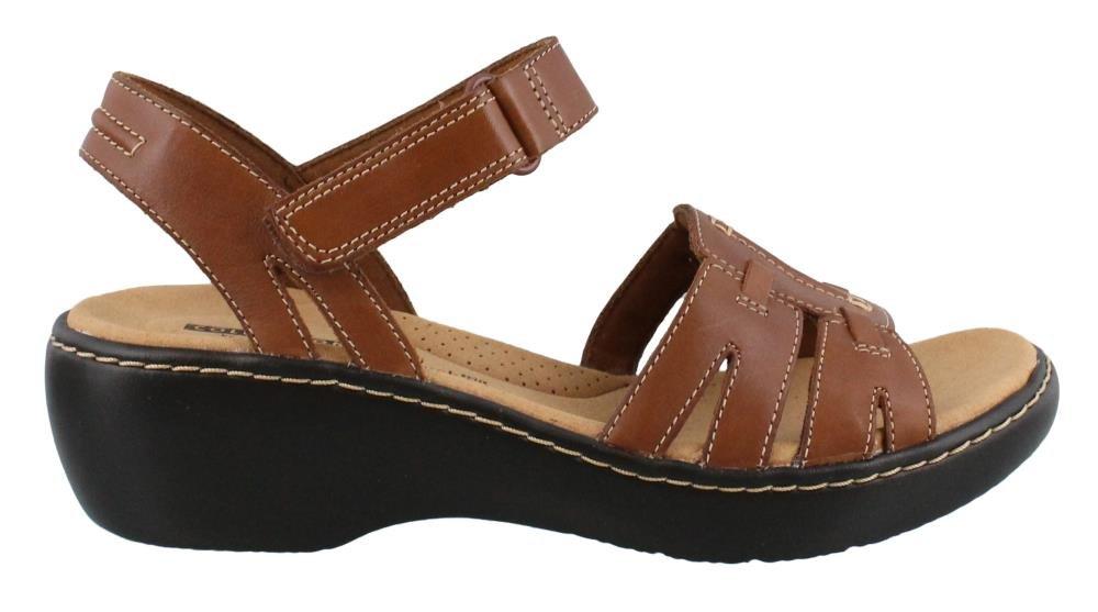 CLARKS Women's Delana Nila Platform, Dark Tan Leather, 5.5 Medium US