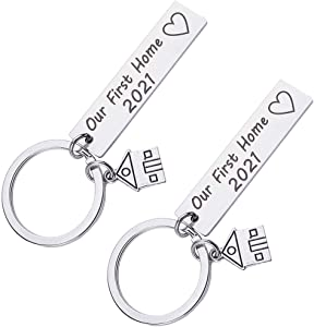 BESTOYARD Our First Home Keychains 2021 New Home Housewarming Keychain New Homeowner House Keyring First Home Present for Husband Wife Families Friends 2Pcs