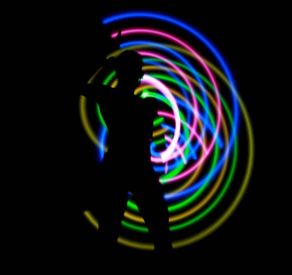 120cm LED Glow Staff (25 Colour Variations) Pro Glow LED Staffs + Flames N Games Staff Travel Bag. (Purple/Green) by Flames N Games LED Staff / Glow Staffs (Image #3)