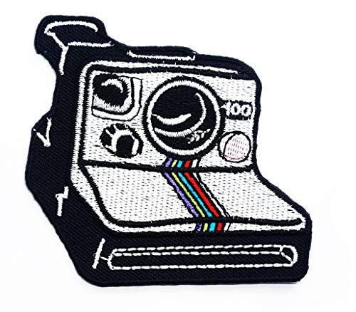 (Retro Camera Polaroid Photography Cartoon Children Kid Patch Clothes Bag T-Shirt Jeans Biker Badge Applique Iron on/Sew On Patch)