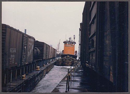 - New York New Haven & Hartford RR Tugboat Cordelia nose in photo