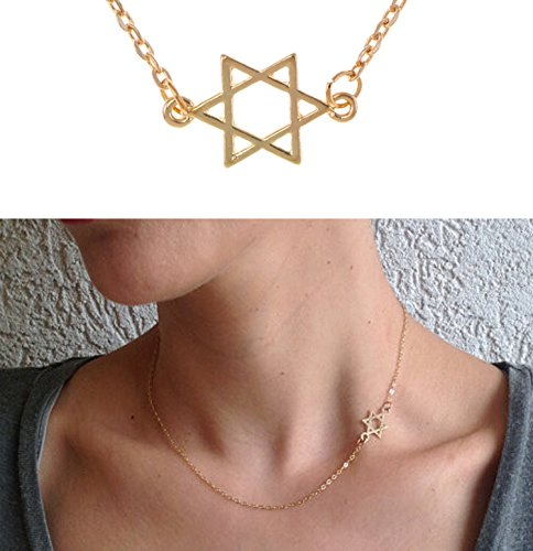 (Elegant Golden Colored Adjustable Choker / Collier Necklace With Fine Chain And Hexagon / Star of David Decoration / Pendant By)