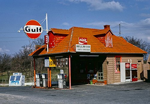 Roadside America Photo Collection | 1982 Bellwood Gas & Grocery, Fort Defiance, Virginia | Photographer: John Margolies | Historic Photographic Print 24in x 18in - Bellwood Collection