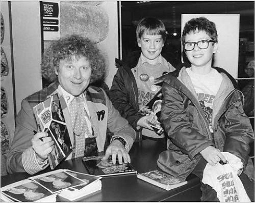 Photographic Print of Colin Baker as Dr Who, with two young fans - Tv Programme Costumes