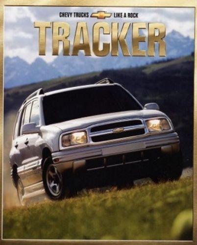 - 2001 Chevrolet Geo Tracker 30-page Car Sales Brochure Catalog - ZR2