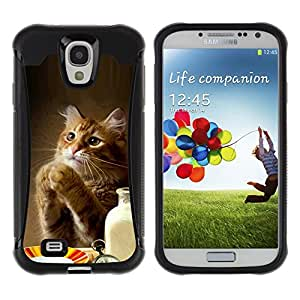 All-Round híbrido Heavy Duty de goma duro caso cubierta protectora Accesorio Generación-II BY RAYDREAMMM - Samsung Galaxy S4 I9500 - Cat Cute Funny Paws Table Food Milk Ginger