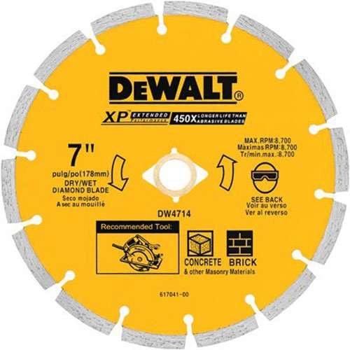 Disco de Diamante DEWALT DW4714 industrial segmentado de corte en seco de 7 pulg. con eje de 5/8 o 7/8 pulg.