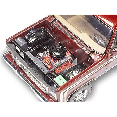 Revell 854486 1/24 76 Chevy Sport Stepside Pickup 4x4: Toys & Games