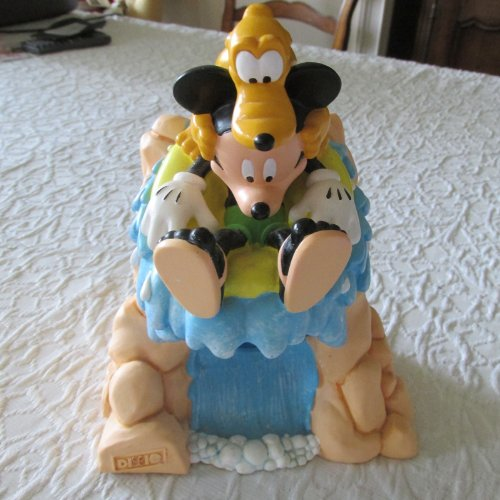 disney-mickey-mouse-and-pluto-water-slide-dixie-cup-dispenser