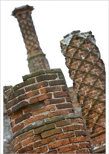 Media Storehouse A1 Poster of Chimneys at Framlingham Castle N071520 (1111187) Historic England