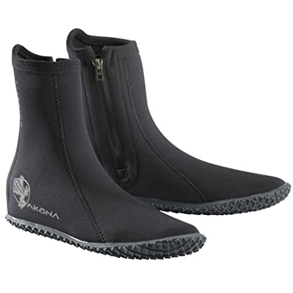 bab850f29fae Amazon.com   AKONA Standard Boots   Sports   Outdoors
