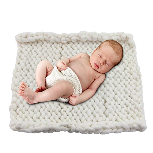Play Tailor 19.6x19.6 Chunky Knit Blanket for Newborn Baby Photography, Multi Use Chunky Yarn Chair Pad and Sofa Cushion (White)