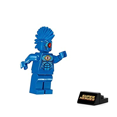 LEGO Super Heroes: Batman 2 Minifigure - Omac (with Display Stand) 76111: Toys & Games