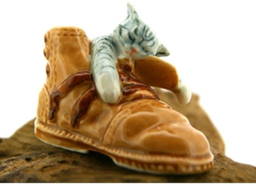 Dollhouse Miniatures Ceramic Gray Cat In Shoe FIGURINE Animals Decor