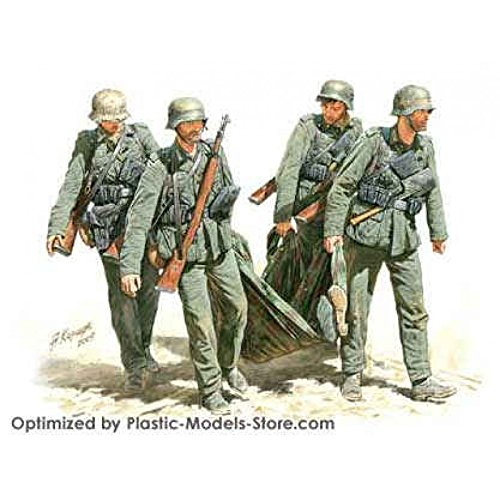 Master Box Casualty Evacuation German Infantry Stalingrad Summer 1942 (5) Figure Model Building Kits (1:35 Scale) (1 35 Masterbox)