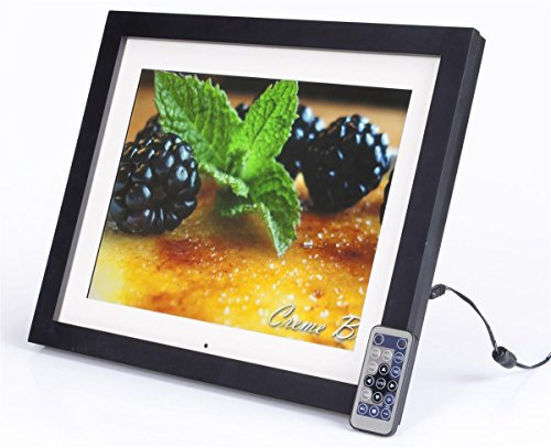 Displays2go DPFLSBK15A 15-Inch Digital Photo Frame with Matt LCD Screen with 4:3 Aspect Ratio, Built-in Speakers and 2GB Memory - Easel Back Wood Frame ()