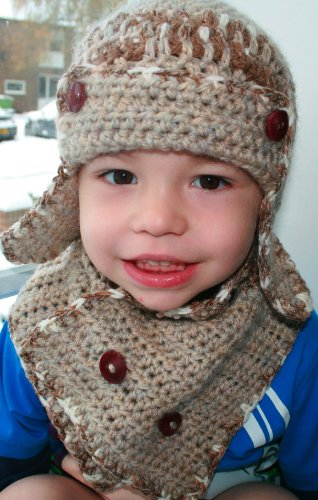 Aviator Costumes Scarf - Crochet Pattern aviator hat and scarf