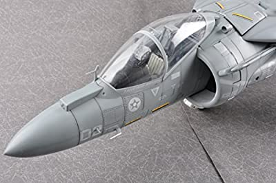 JSI60027 1:18 JSI AV-8B Harrier II VMA-211 Wake Island Avengers (pre-painted)