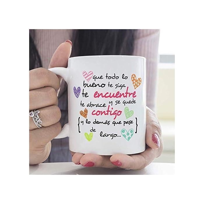 """518PTKqqLBL ☕ TAZA DE CERÁMICA DE CALIDAD: Las tazas cerámicas de alta calidad como esta, son el mejor regalo original para motivar o animar a alguien. El dibujo de la taza está hecho con una tinta sublime que la hace resistente a microondas y lavavajillas. Color blanco, 11 oz / 350 ml. Estas tazas regalo serán un recuerdo encantador y duradero ya sea de compañeros de clase, colegas de trabajo, hijos, amigos, padres… Y… ¡qué mejor para motivarse que desayunar juntos con esta taza de cumpleaños! 🎉 LA TAZA, EL REGALO MULTIUSOS IDEAL. Una bonita y colorida taza motivadora para animarse… ¡que también es multiusos! No hace falta comprar regalos demasiado sofisticados, pues aunque se denominen """"tazas de café"""" o """"tazas de desayuno"""", también se pueden usar para otros líquidos como té o incluso cerveza. Y valen para mucho más, por ejemplo, se pueden usar como decoración (como un jarrón de porcelana china) 🎁 IDEA PERFECTA COMO REGALO PARA MOTIVAR. ¿Buscando complejos regalos a un precio desorbitado? ¡No vale la pena! Si tu objetivo es animar a alguien que lo necesita, aquí tienes un regalo sencillo, de utilidad, que dará una dosis de moral y motivación gracias al mensaje original y cuidado diseño. Nuestras tazas para regalo además son sinónimo de buen precio, mensajes divertidos, colores vivos y calidad. Un regalo original único e inolvidable, resistente al uso diario"""