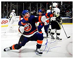 Autograph Warehouse 343068 11 x 14 in. John Tavares Signed Photo - New York Islanders Hockey Star Image No. SC2