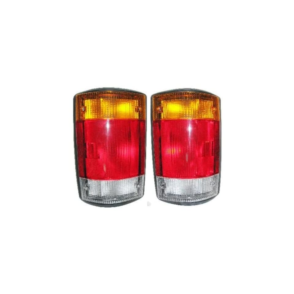 OE Replacement Ford Econoline Driver Side Taillight Assembly (Partslink Number FO2800115)