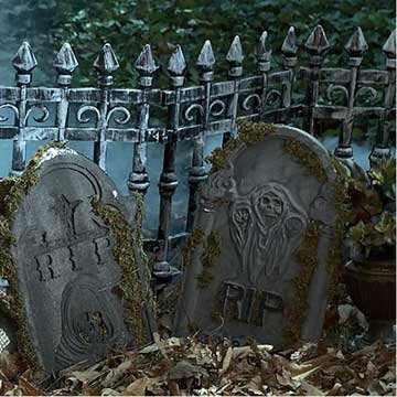 Forum Novelties Cemetery Fence Prop]()