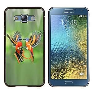 EJOOY---Cubierta de la caja de protección para la piel dura ** Samsung Galaxy E7 E700 ** --verde aves tropicales naranja pluma de vuelo