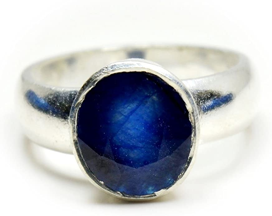 A beautiful  natural sapphire men ring in 925 sterling silver