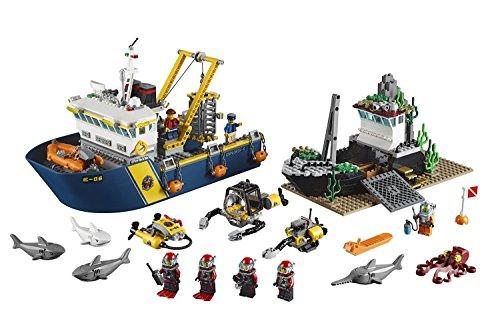 Building Block LEGO City (717pcs) Deep Sea Exploration Vessel Toy for Kids Figures