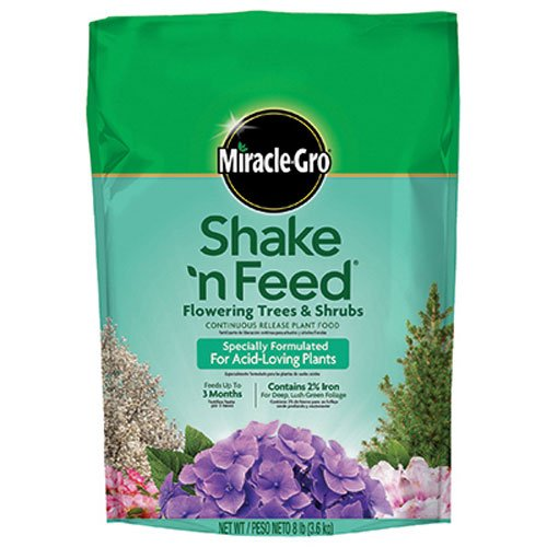 Slow Release Fertilizer (Miracle-Gro Shake 'n Feed Continuous Release Plant Food for Flowering Trees and Shrubs, 8-Pound (Slow Release Plant Fertilizer))