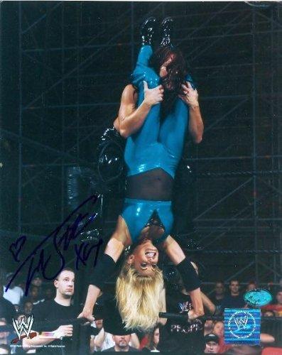 (Trish Stratus autographed 8x10 Photo (Wrestling) - Sports Memorabilia)