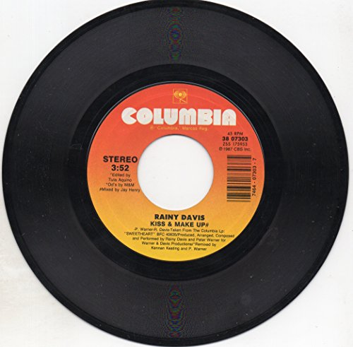 """Price comparison product image Kiss & Make Up=b/w= 4-ever=7""""45 Vinyl Record."""