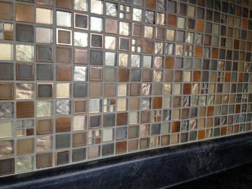 MS International Manhattan Blend Glass Mesh-Mounted Mosaic Wall Tile - Box  of 5 sqf - - Amazon.com