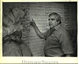Vintage Photos 1986 Press Photo Paul Elizondo Reviews scheduling of campaigners at Headquarters