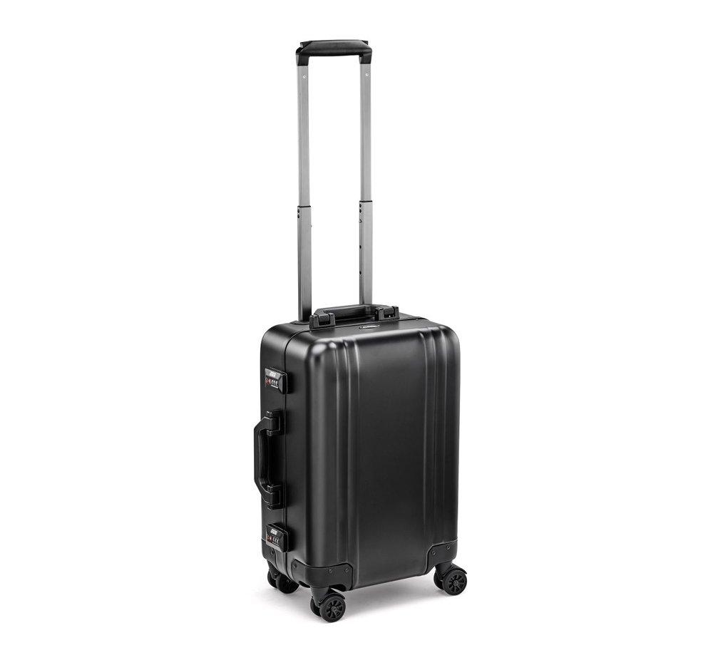 Zero Halliburton Classic Aluminum 2.0 Carry On Spinner Travel Case Black