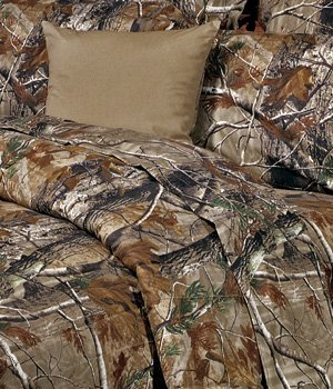 Realtree All Purpose Camouflage 8 Pc Full Comforter Set (Comforter, 1 Flat Sheet, 1 Fitted Sheet, 2 Pillow Cases, 2 Shams, 1 Bedskirt) SAVE BIG ON BUNDLING!
