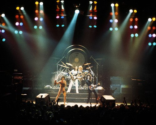 Queen dramatic group in concert vintage color Freddie