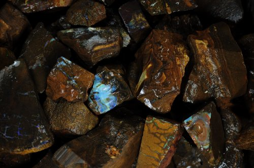 - Fantasia Materials: 500 Cts Boulder Opal Rough in Matrix - Raw Natural Crystals for Cabbing, Cutting, Lapidary, Tumbling, Polishing, Wire Wrapping, Wicca and Reiki Crystal HealingWholesale Lot
