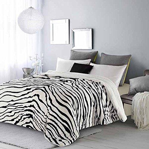 20 Lakes Plush Zebra Strip Sherpa Lined Blanket (Queen, White/Black)