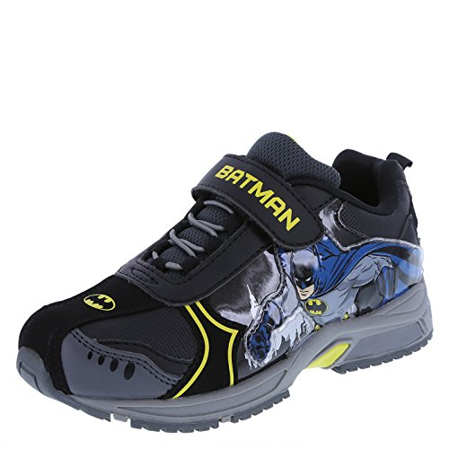 Batman Light Up Shoes (Batman Boys' Black Boys' Batman Light-Up Runner 13.5 Regular)