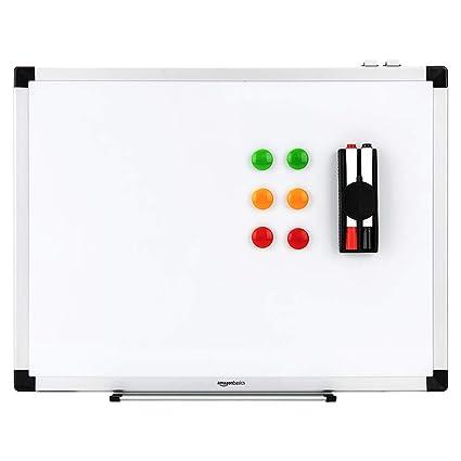 AmazonBasics - Pizarra blanca magnética con bandeja para rotuladores y marco de aluminio, 60 cm x 45 cm
