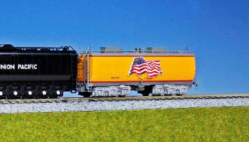kato-usa-model-train-products-n-scale-union-pacific-water-tender-2-car-set